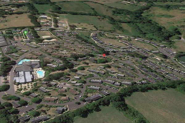 Un domaine de 12 hectares avec maisons, piscines extérieures et intérieures du groupe Pierre et Vacances
