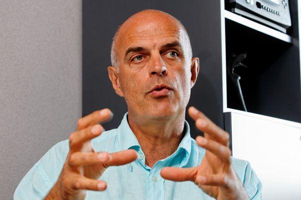 Ferdinand Bernhard, maire (DVD) de Sanary-sur-Mer en 2011.
