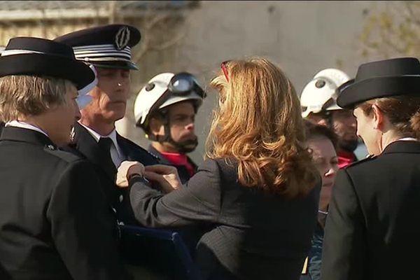 La Garde des Sceaux Nicole Belloubet le 23 mars 2019 lors de l'hommage aux quatre victimes des attentats de l'Aude le 23 mars 2019 à Carcassonne.