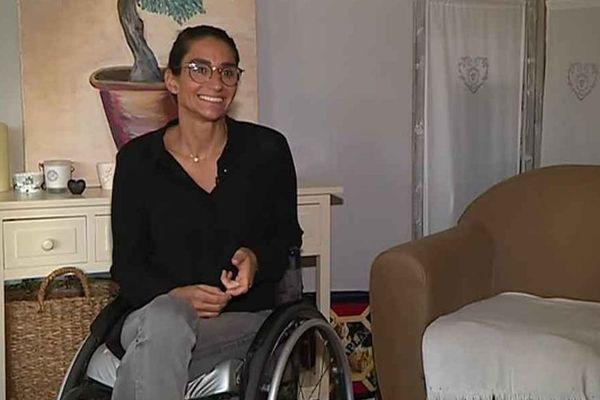 Delphine le Sausse, championne du monde de ski nautique handisport, s'est reconstruit après avoir vécu pendant 2 ans sous les coups de son compagnon