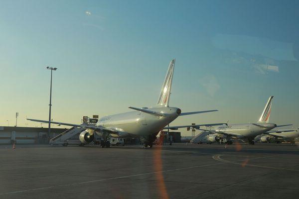 Partout dans le Monde les avions sont cloués au sol, comme ici à Orly.