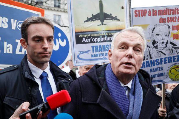 Jean-Marc Ayrault parmi les manifestants partisans de l'aéroport de Notre-Dame-des-Landes