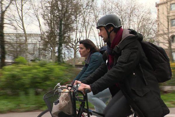 Grégory Doucet fait la plupart de ses déplacements urbains à vélo.