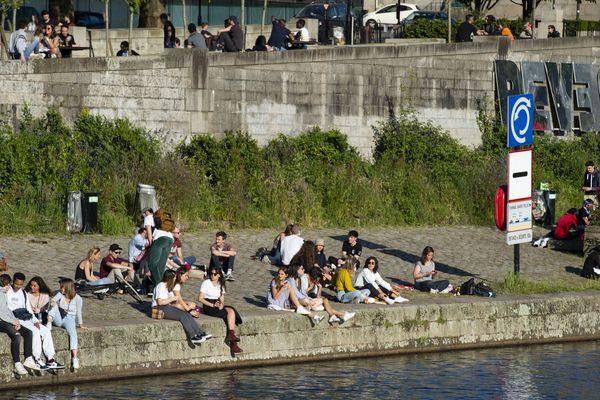 Trop de monde et pas de respect des distances physiques en période de déconfinement, le préfet de la Loire-Atlantique a pris un arrêté d'interdiction d'accès aux rives de l'Erdre à nantes