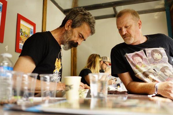 Des auteurs dédicacent leurs albums à l'espace BD, de 10 h à 22 h au Cabaret Vert