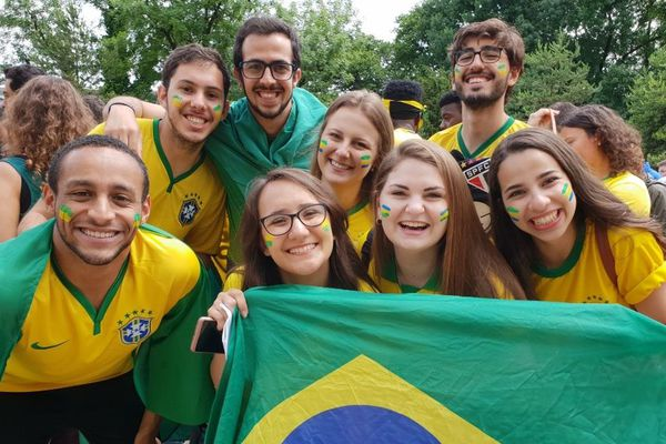 Des supporters brésiliens à Grenoble pour la coupe du monde féminine de football