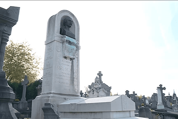 Le cimetière St Roch de Valenciennes se visite avec un guide, les jours de Toussaint, notamment.
