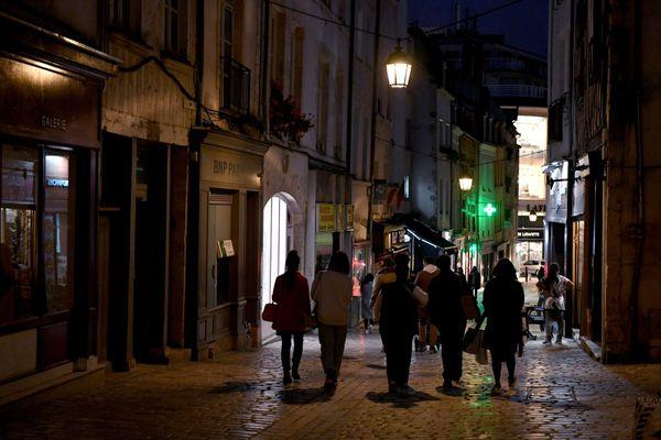 32 procès-verbaux ont été dressés dans Orléans et son agglomération en ce premier weekend de couvre-feu et 64 au total dans le Loiret.