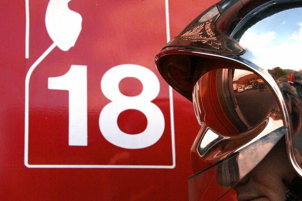 L'intervention des pompiers risque de durer encore plusieurs heures. (Illustration)