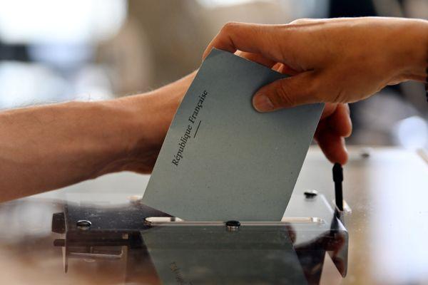 Au premier tour dans le département de la Lozère, le taux de participation s'élevait à 48,91 %.