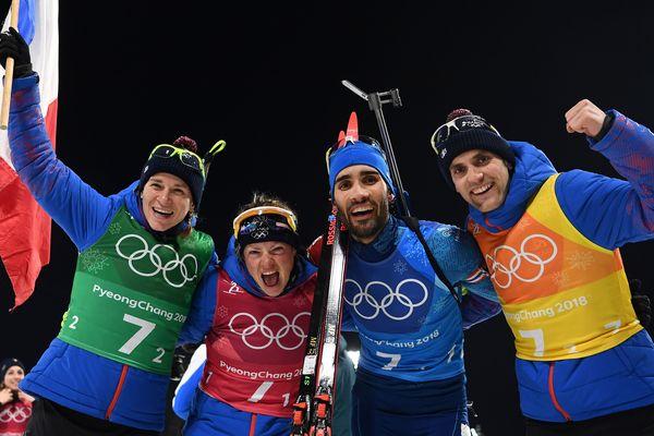 Médaille d'or en relais mixte de biathlon pour Marie Dorin-Habert, Anais Bescond, Martin Fourcade et Simon Desthieux aux jeux olympiques de Pyeongchang - 20 février 2018.