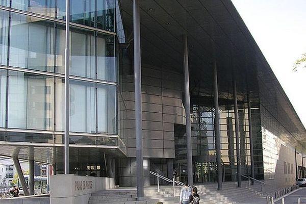 Le palais de justice de Grenoble.