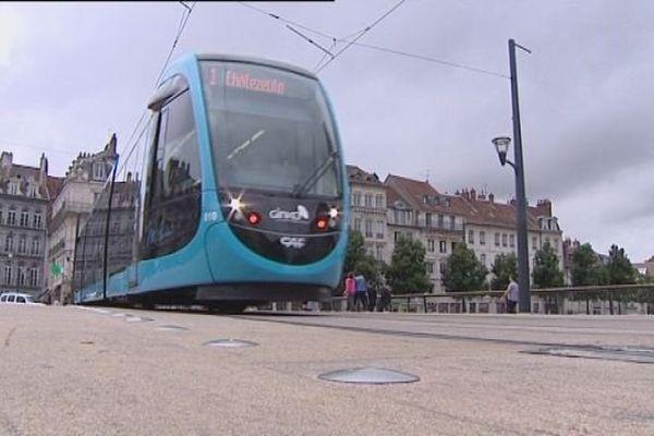 Le tramway de Besançon a été inauguré le 30 août 2014