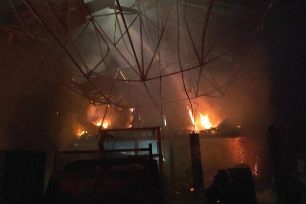 L'entreprise terre alternative détruite par un incendie à Spezet