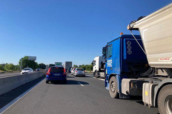 Le trafic était toujours très perturbé ce matin sur l'A75 au sud d'Issoire.