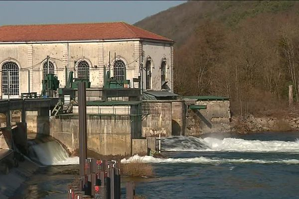Le barrage de Mathay (Doubs) menace de s'effondrer. Les travaux finiront à la mi-avril.