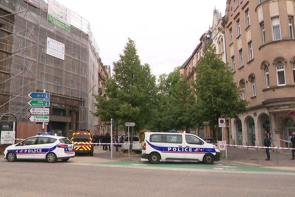 L'entrée de la rue Harelle a été bloquée par les services de police.