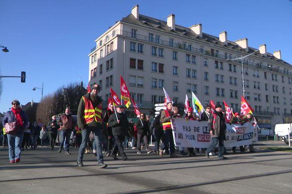 Entre 2 et 3000 personnes ont défilé dans les rues de Caen ce jeudi 6 février selon les syndicats