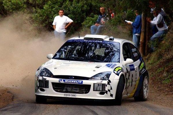Cargèse : le pilote finlandais Mikko Hirvonen, au volant de sa Ford WRC pour le Tour de Corse 2003