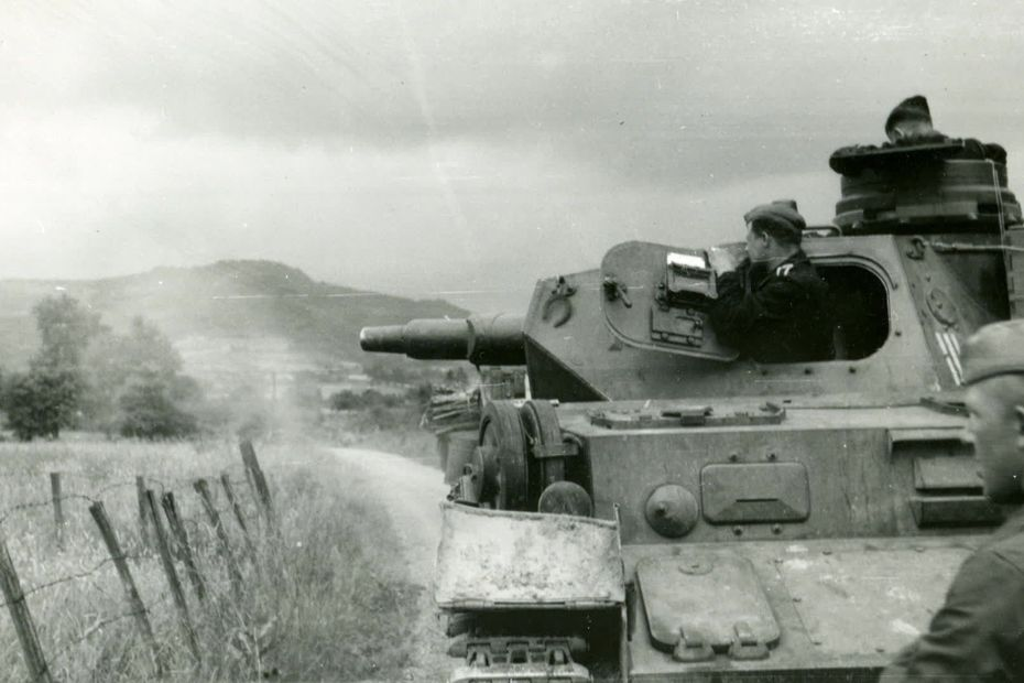 25e RTS : Chasselay 19/20 juin 1940 5eece59aad3ce_80e_anniversaire_massacres_tirailleurs_s_n_galais-00_01_12_02-4886118