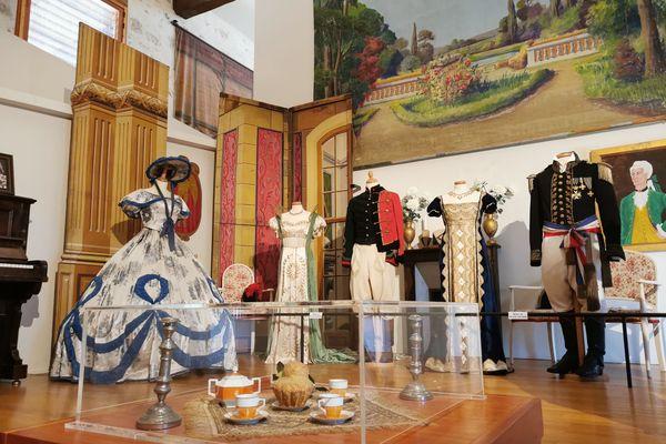 Des objets exposés au musée du théâtre forain