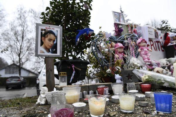 Un mémorial en souvenir de Maëlys De Araujo, 8 ans, le 15 février 2018 à Pont-de-Beauvoisin, près de Chambéry.