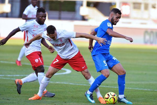 Béziers fait son entrée en Ligue 2 avec une belle victoire face à Nancy.