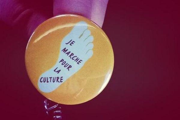 Plusieurs professionnels de la culture se sont donné rendez-vous à Paris et dans plusieurs villes en région pour protester contre les coupes budgétaires dans leur secteur.