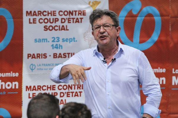 Jean6luc Mélenchon en campagne, au Panier à Marseille
