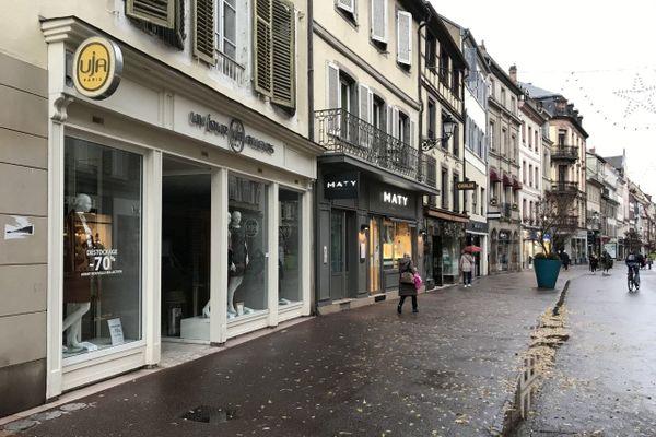 Les commerces du centre-ville resteront fermés comme partout ailleurs pendant le confinement
