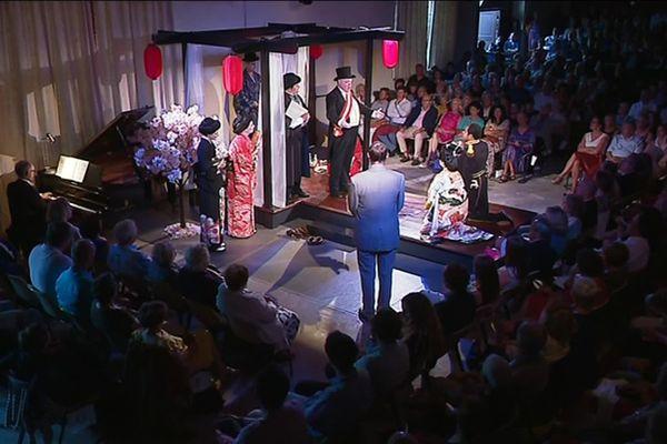 """L'opéra italien de Giacomo Puccini, """"Madame Butterfly"""", a réuni plus d'une centaine de spectateurs."""