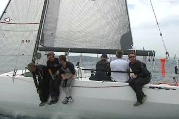 Saint-Tropez (Var) - l'équipage du Cap d'Agde dans la Giraglia - 19 juin 2013.