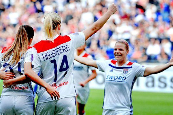 L'OL feminin remporte 2-1 le match aller de la demi-finale de la ligue des champions. 21 Avril 2019