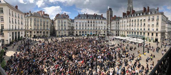 Manifestation contre les violences policières à Nantes, place Royale, le 8 juin 2020