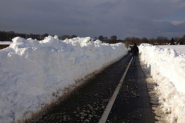 Une photo envoyée par un internaute de Seine-Maritime :  une route du Pays de Caux à Hautois-le-Vatois, entre Yvetot et Fauville