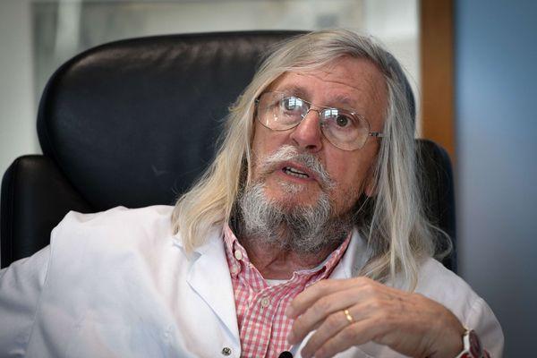 Le Pr Didier Raoult, directeur de l'Institut Hospitalo-Universitaire Méditerranée infection à Marseille, vient de marquer un point dans le combat l'opposant à une partie du monde médical, qui appelle à la prudence.