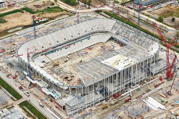 Le chantier du nouveau Grand Stade de Bordeaux vu du ciel