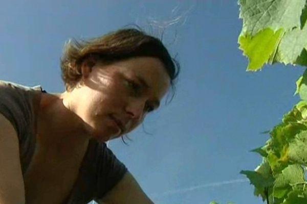 Imelda Figureau dans ses vignes