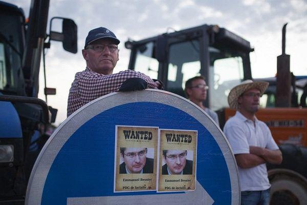 Des agriculteurs remontés devant le siège de Lactalis le 25 août dernier