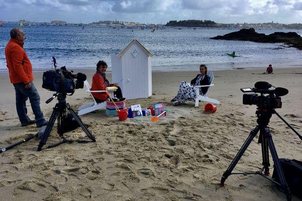 La cabine de pages, premier numéro avec la romancière Aurélie Valognes à Dinard sur la côte d'Emeraude
