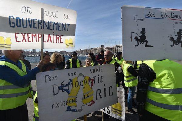 """Les Gilets Jaunes des Bouches-du-Rhône sont peu convaincus par les """"annonces"""" d'Emmanuel Macron."""