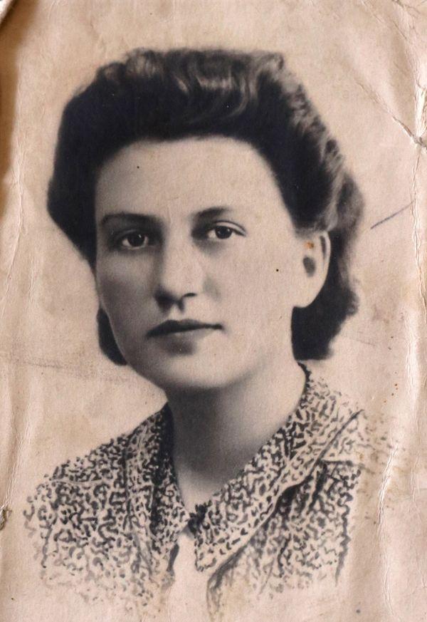 Lisette, photographiée en 1942