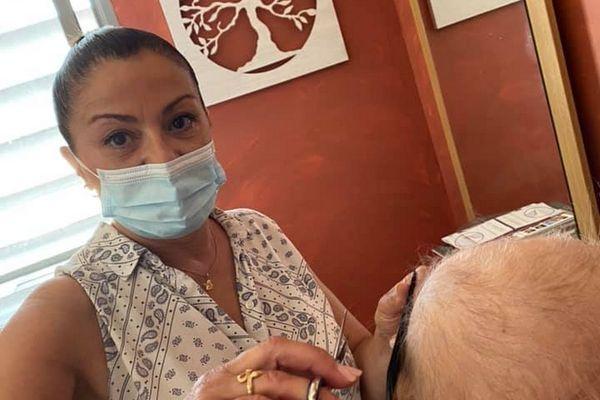 Trois patientes ont été coiffées par Véronique le jour de l'ouverture.
