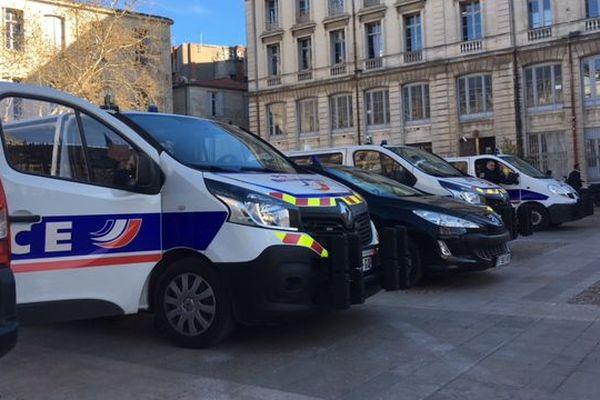 Montpellier - les forces de l'ordre devant la préfecture - 28 mars 2018.