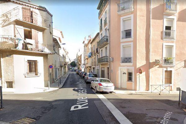 Béziers (Hérault) - la rue Guilhemon - archives