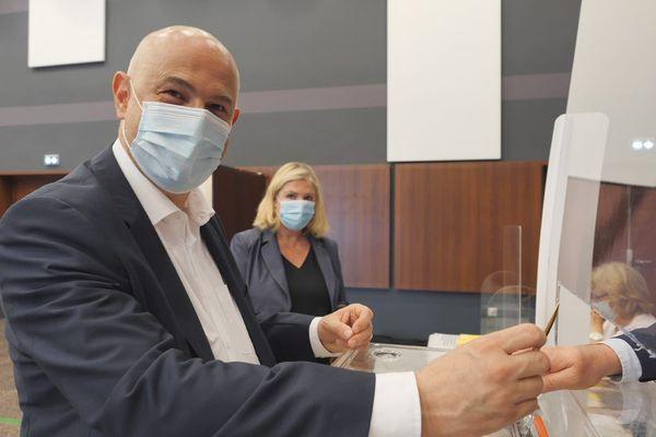 Laurent Pietraszewski à La Chapelle-d'Armentières ce dimanche 20 juin 2021 pour déposer son vote lors des élections régionales.