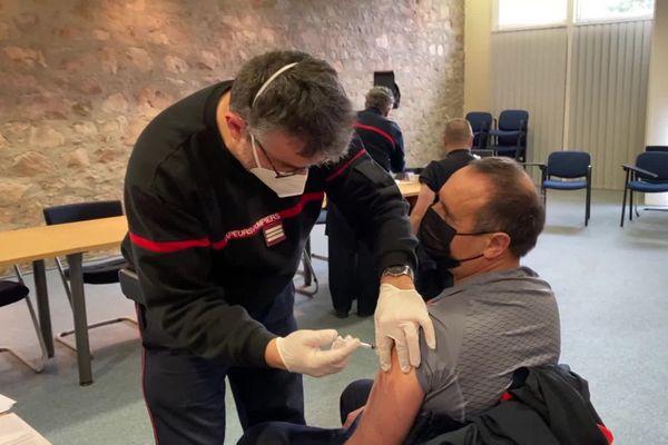 Première journée de vaccination pour les pompiers de la Haute-Vienne, ce 16 janvier 2021.