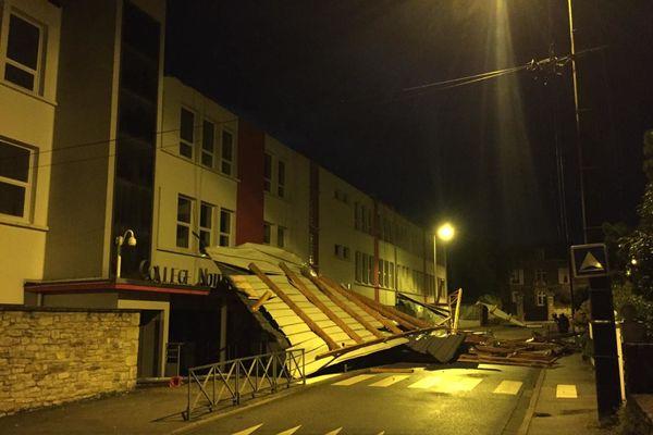 La tempête Alex a provoqué principalement des chutes d'arbres, des assèchements de locaux, des toitures envolées comme au collège Notre-Dame-le-Ménimur à Vannes.
