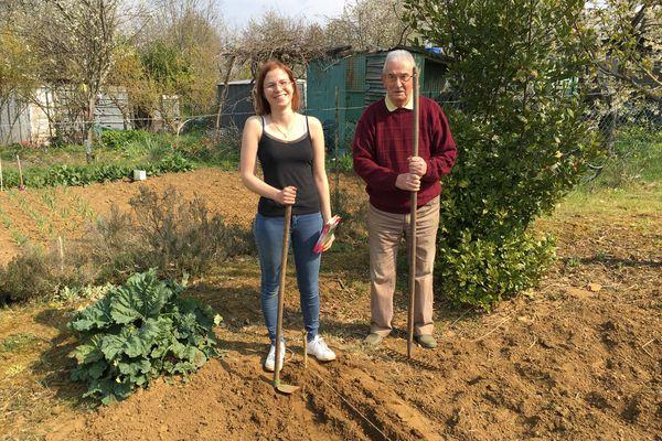 Une nouvelle génération de jardiniers amateurs sort de terre en ce moment et s'adonnent à cette activité au grand air pour oublier les restrictions sanitaires