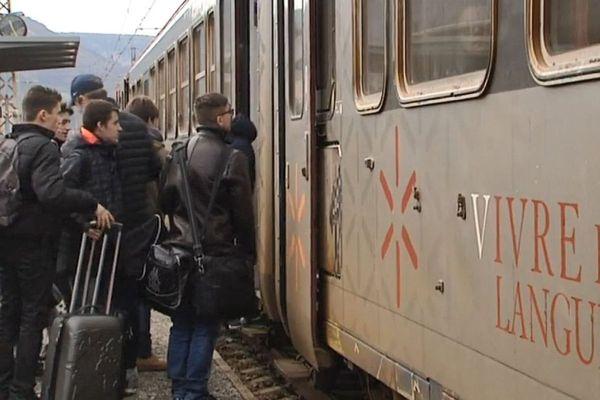 Le train de l'Aubrac, une liaison menacée qui relie Béziers à Clermont-Ferrand via Neussargues